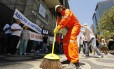 Ato simbólico de limpeza do prédio da Petrobras