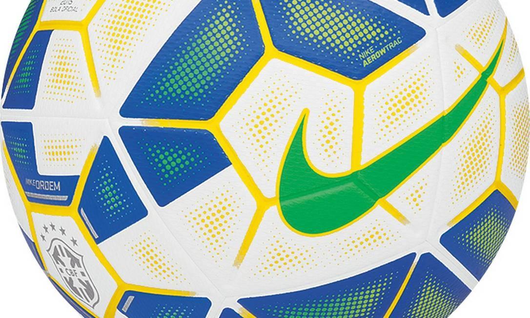 Nike apresenta bola oficial da Copa do Brasil e do Brasileiro de 2015 -  Jornal O Globo 62f1fa5bf6622