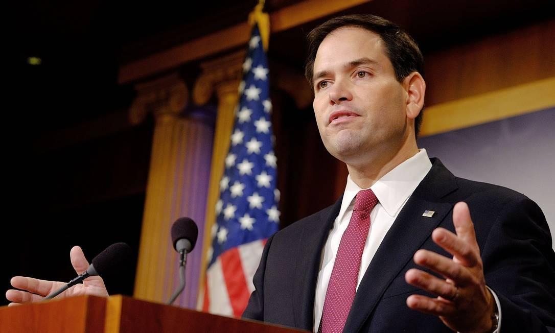 Filho de imigrantes cubanos, senador republicano Marco Rubio criticou medida e garantiu que Congresso não aporvará fim do embargo americano a Cuba Foto: T.J. Kirkpatrick / AFP