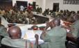 Em foto de outubro, soldados nigerianos são ouvidos na corte marcial. Nesta quarta, em julgamento secreto, 54 foram condenados à morte