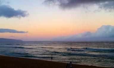 Pipeline amanheceu com ondas pequenas nesta quinta Foto: Divulgação ASP