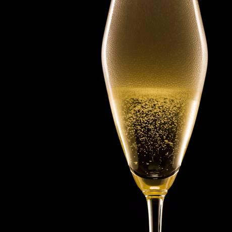 Bolhas no champagne: estudo do seu comportamento pode ajudar no projeto de turbinas mais eficientes Foto: Fabio Seixo