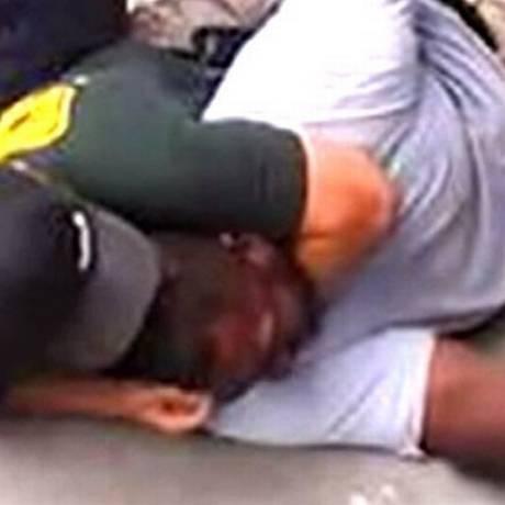 Morte de Eric Garner foi flagrada em vídeo Foto: Reprodução da internet
