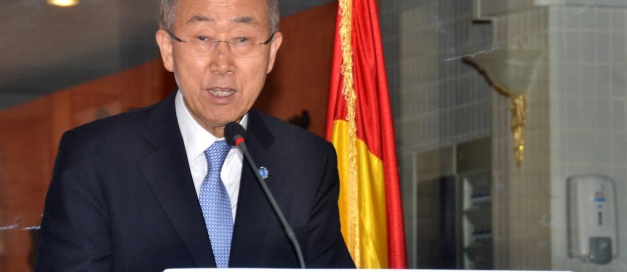 Ban Ki-Moon discursa em Conacri, capital da Guiné, durante viagem de dois dias na África Ocidental Foto: BINANI / AFP