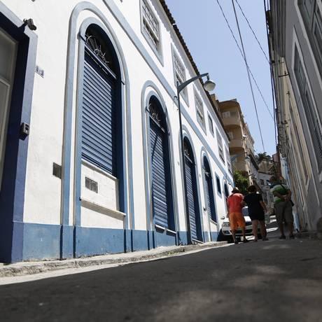 Fachada recuperada em sobrado antigo na Rua do Escorrega: no passado, loja embaixo e moradia em cima Foto: Custódio Coimbra / Agência O Globo