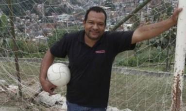 O líder comunitário Luiz Moura foi morto a tiros no Alemão Foto: Reprodução internet