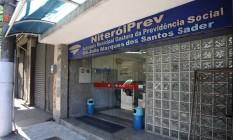 Fachada da NiteróiPrev, em Niterói. Foto: Agência O Globo / Márcio Alves