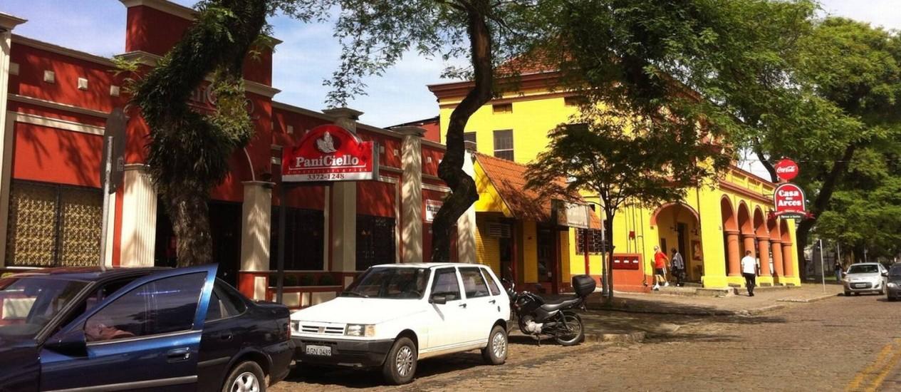 A Rua Manoel Ribas, em Santa Felicidade, onde ficam localizados os restaurantes Foto: Agência O Globo / Raphaela Ribas