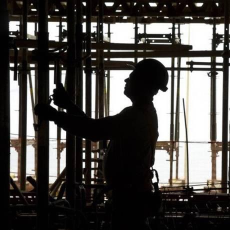 Trabalhador da construção civil Foto: Arquivo/O Globo