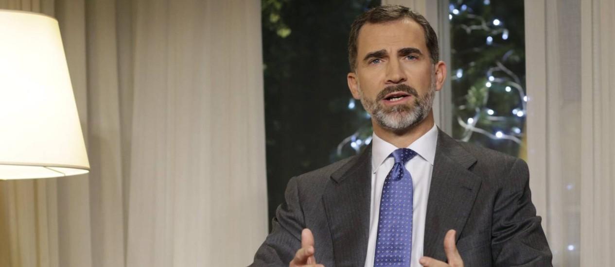 Felipe VI. Em discurso, rei espanhol condenou a corrupção, falou sobre a tarefa de combater o desemprego e afirmou que apís precisa estar unido após referendo simbólico da Catalunha Foto: Angel Diaz / AP