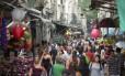 Movimento na Saara, Centro do Rio. Na foto, a rua da Alfândega