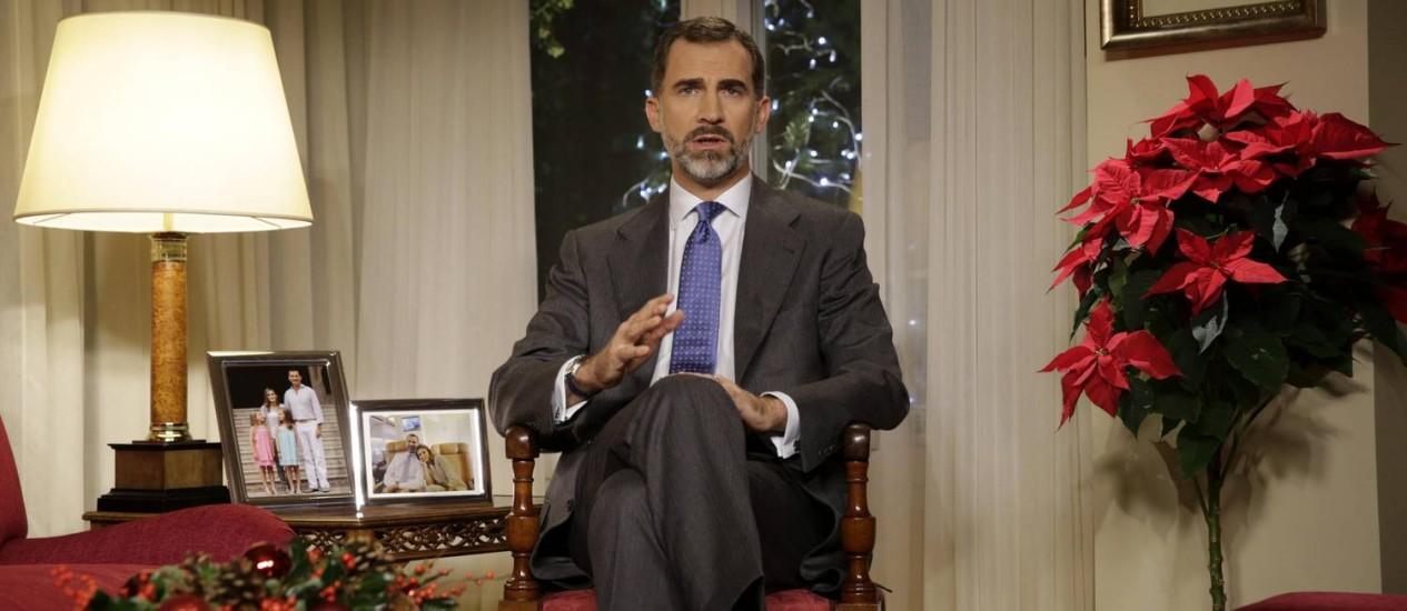 Rei espanhol Felipe VI. Discurso de Natal do monarca, que abordou corrupção, desemprego e união nacional, foi elogiado por líderes políticos do país Foto: ANGEL DIAZ / AFP