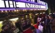 """A estreia de """"A entrevista"""" no Silent Movie Theatre, em Los Angeles, na California, teve um ótimo público"""