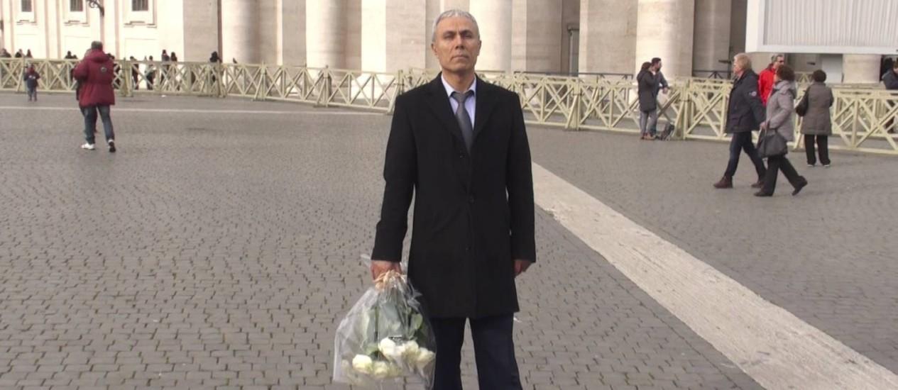 Mehmet Ali Agca durante a visita ao Vaticano Foto: AFP
