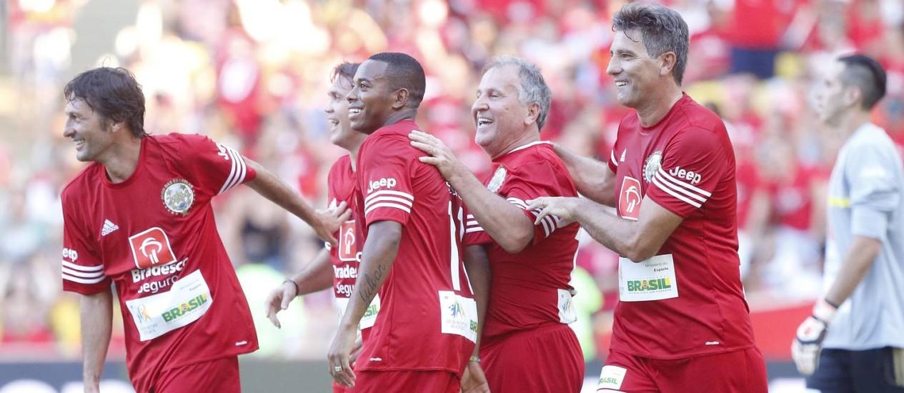 O ex-jogador Zico promove o jogo das Estrelas no Maracanã Foto: Ivo Gonzalez / Agência O Globo