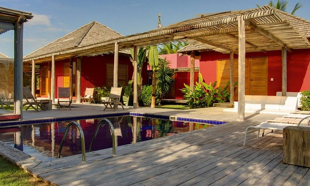 Casa em Trancoso, na Bahia, com cinco quartos, piscina e campo de golfe Foto: / Alugue Temporada