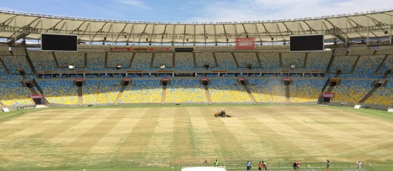 Tratamento do gramado do Maracanã começou terça-feira e deve durar duas semanas Foto: Divulgação