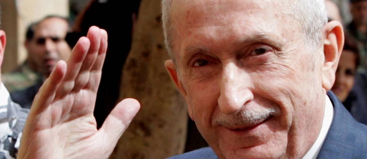 Omar Karami em 2005: ex-primeiro ministro foi derrubado nas duas vezes em que ficou à frente do poder no Líbano Foto: AP
