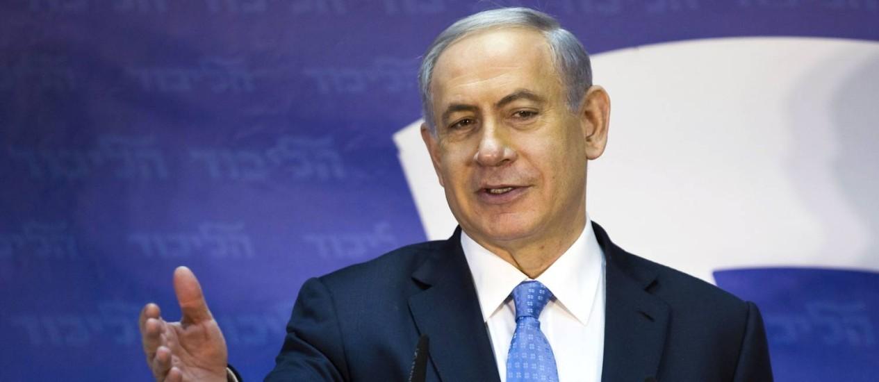 Benjamin Netanyahu critica proposta palestina de se juntar a principal instância de justiça internacional Foto: AMIR COHEN / REUTERS