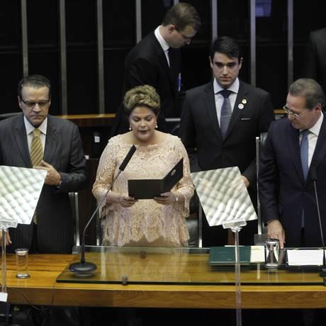 A Presidente Dilma durante a cerimônia de posse Foto: Givaldo Barbosa / O Globo