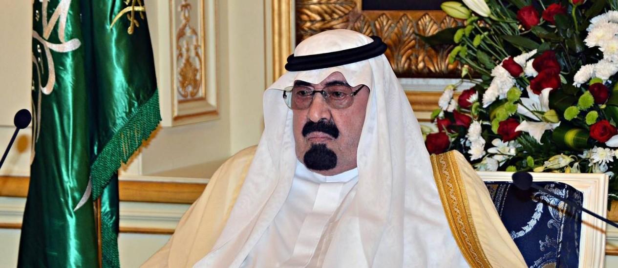 Com idade avançada, Rei Abdullah enfrenta pneumonia Foto: HO - / AFP