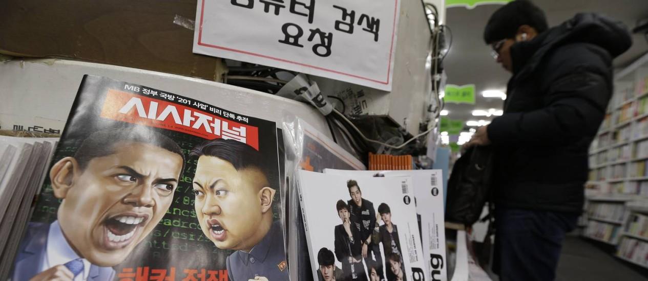 Embate entre EUA e Coreia do Norte vira capa de revista em Seul, no Sul Foto: Ahn Young-joon / AP