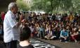 Cerca de 350 pessoas participaram da aula pública com o idealizador da tarifa zero, Lúcio Gregori