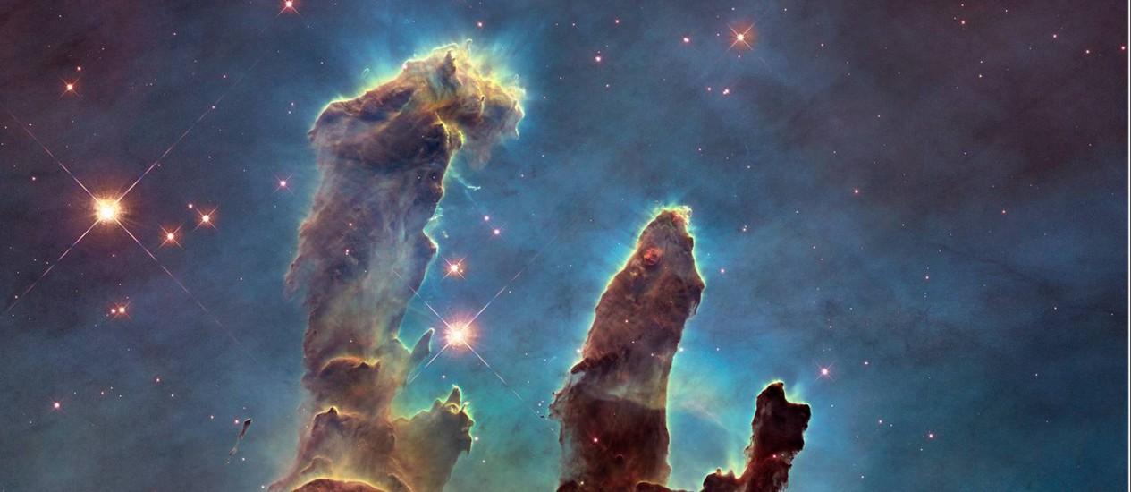 """A nova imagem em alta resolução dos """"Pilares da Criação"""" feita pelo telescópio espacial Hubble Foto: Hubble/Nasa/ESA"""