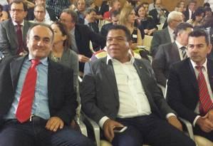 Da esquerda para a direita: deputados Marcon, Valmir Assunção e Padre João Foto: Evandro Éboli / O Globo