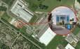 Imagem aérea mostra onde os suspeitos estariam escondidos, na Gráfica Création Tendance Decouverte, na pequena comunidade de Dammartin-en-Goele