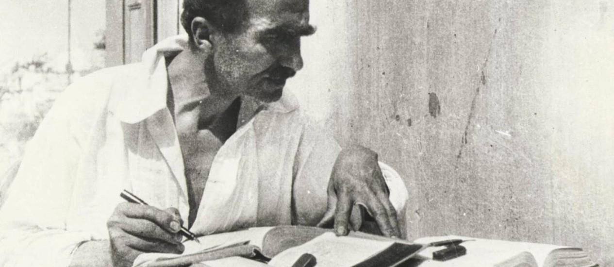 Kazantzákis. O escritor quase perdeu um braço antes de terminar a obra Foto: Reprodução