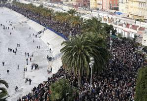 Milhares se reúnem em Nice Foto: VALERY HACHE / AFP