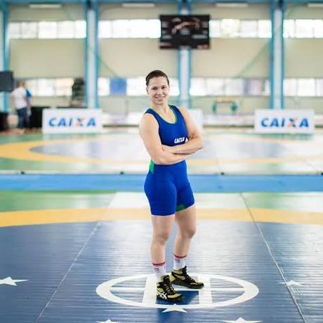 Lais Nunes posa no Cefan: lutadora está garantida na equipe brasileira Foto: Renato Sette Camara / Renato Sette Camara/Divulgação