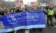Marcha em Washington pede que controles mais eficazes substituam noção de que autodefesa é solução