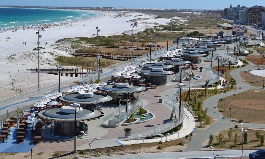 Prefeitura de Cabo Frio investiu parte dos recursos dos royalties nos quiosques da orla da praia do Forte, para aumentar o turismo do município Foto: Agência O Globo