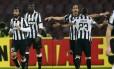 Cáceres e Vidal marcaram na vitória do Juventus em Nápoles