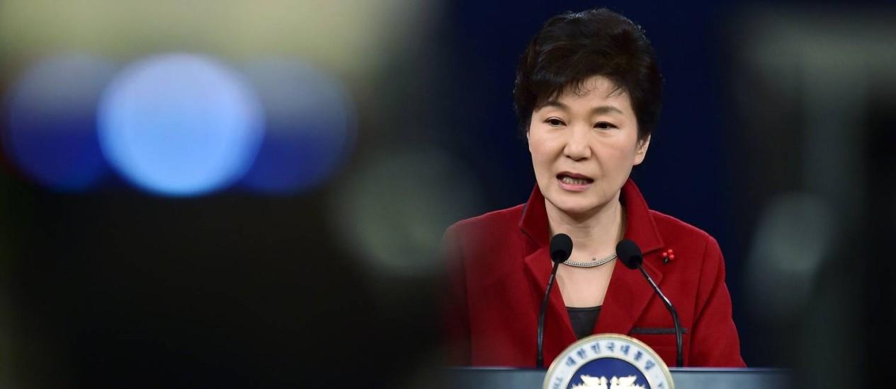Park Geun-Hye em coletiva de Ano Novo, em Seul: presidente sul-coreana está disposta a dialogar com Kim Jong-un Foto: Jung Yeon-Je / REUTERS