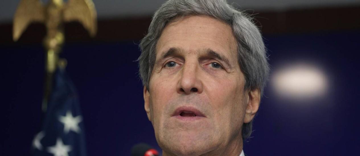 John Kerry. Em visita à Índia, secretário americano de Estado anunciou que visitará a França no fim da semana Foto: RICK WILKING / AFP