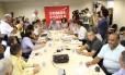 Reunião de sindicalistas na sede da CUT
