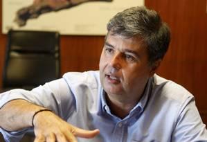 Preocupado, Corrêa quer modelo que estimule o consumo eficiente 'para sempre' Foto: Gustavo Stephan / Agência O Globo