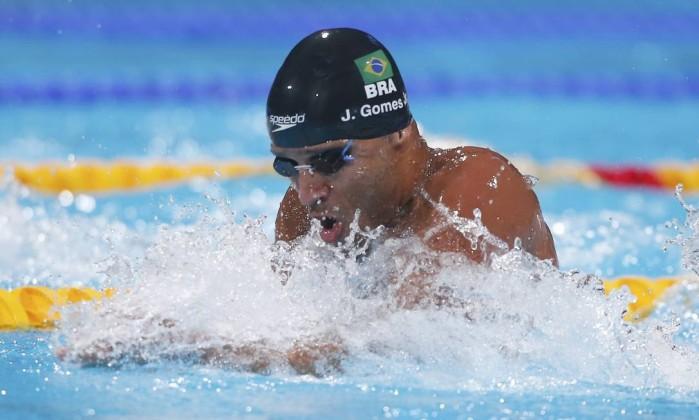 * Nadador brasileiro é flagrado no doping.