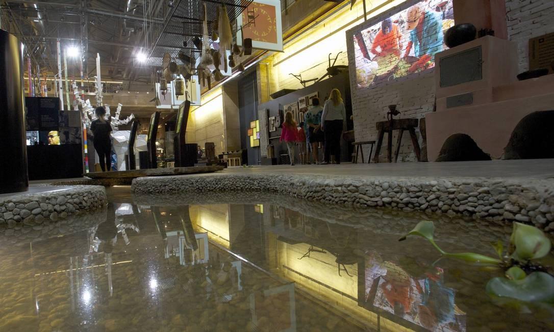 Peças da exposição permanente do Museu Cais do Sertão Luiz Gonzaga Foto: Hans von Manteuffel / Agência O Globo