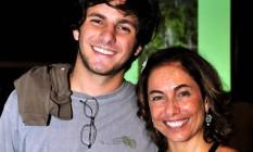Rafael Mascarenhas ao lado da mãe, a atriz e apresentadora Cissa Guimarães Foto: Divulgação - 07/11/2008