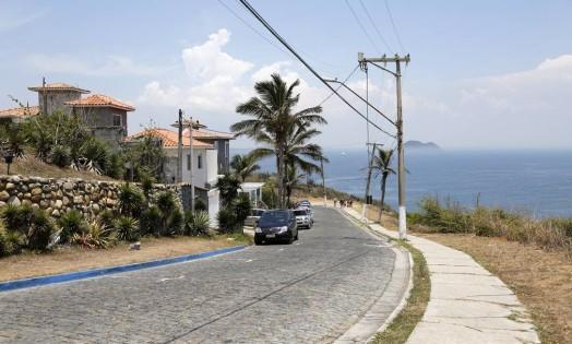 Em João Fernandes, em Búzios, um caseiro disse que pularam a casa que ele toma conta, mas nao roubaram nada Foto: Fabio Rossi