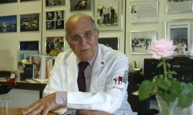 Aloysio Campos da Paz Junior durante entrevista no Sarah, em Brasília Foto: Roberto Stuckert Filho/ 30-5-2003