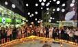 Vigília marcou o início das homenagens aos mortos no incêndio na boate Kiss, no Rio Grande do Sul, que ocorreu há dois anos