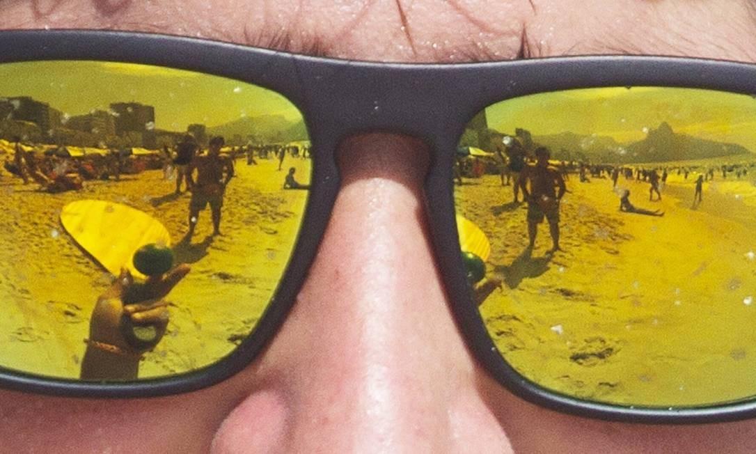 b05f18d8f Na praia. Produtos ópticos terão certificação no segundo semestre. Nos  óculos de sol,