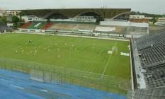 Estádio Luso-Brasileiro, na Ilha do Governador, foi palco de jogos de Botafogo e Flamengo em 2005 Foto: Alexandre Cassiano