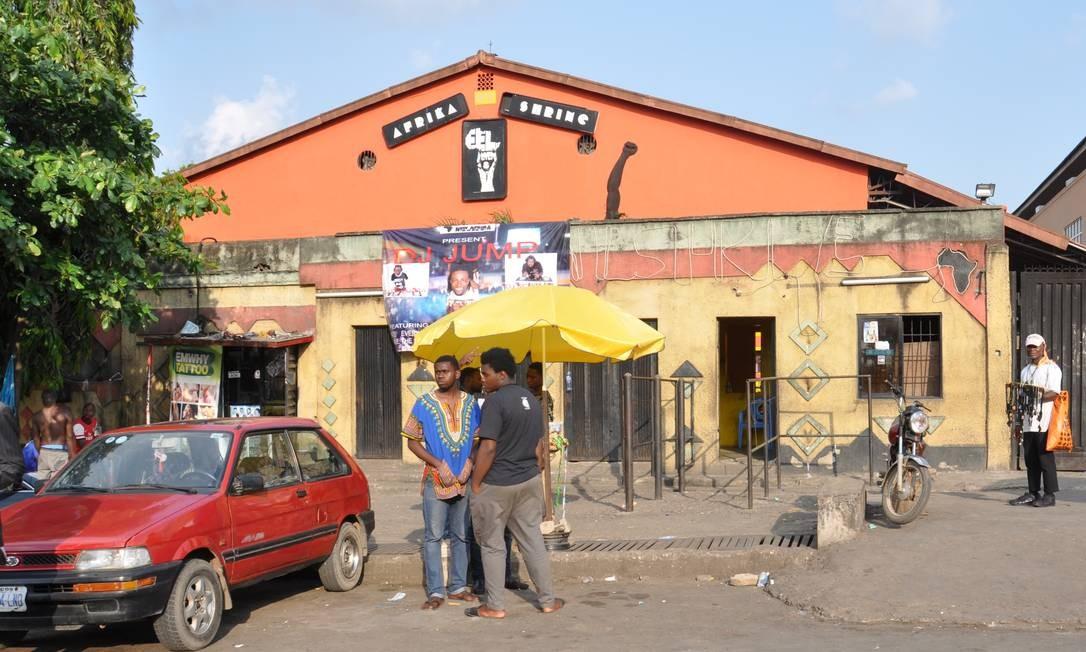 A New Afrika Shrine, nova versão da casa de shows criada por Fela Kuti nos anos 1970, fica no bairro de Ikeja, na periferia de Lagos Foto: Marcéli Torquato