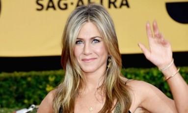 Jennifer Aniston veste Galliano no SAGs Foto: AFP